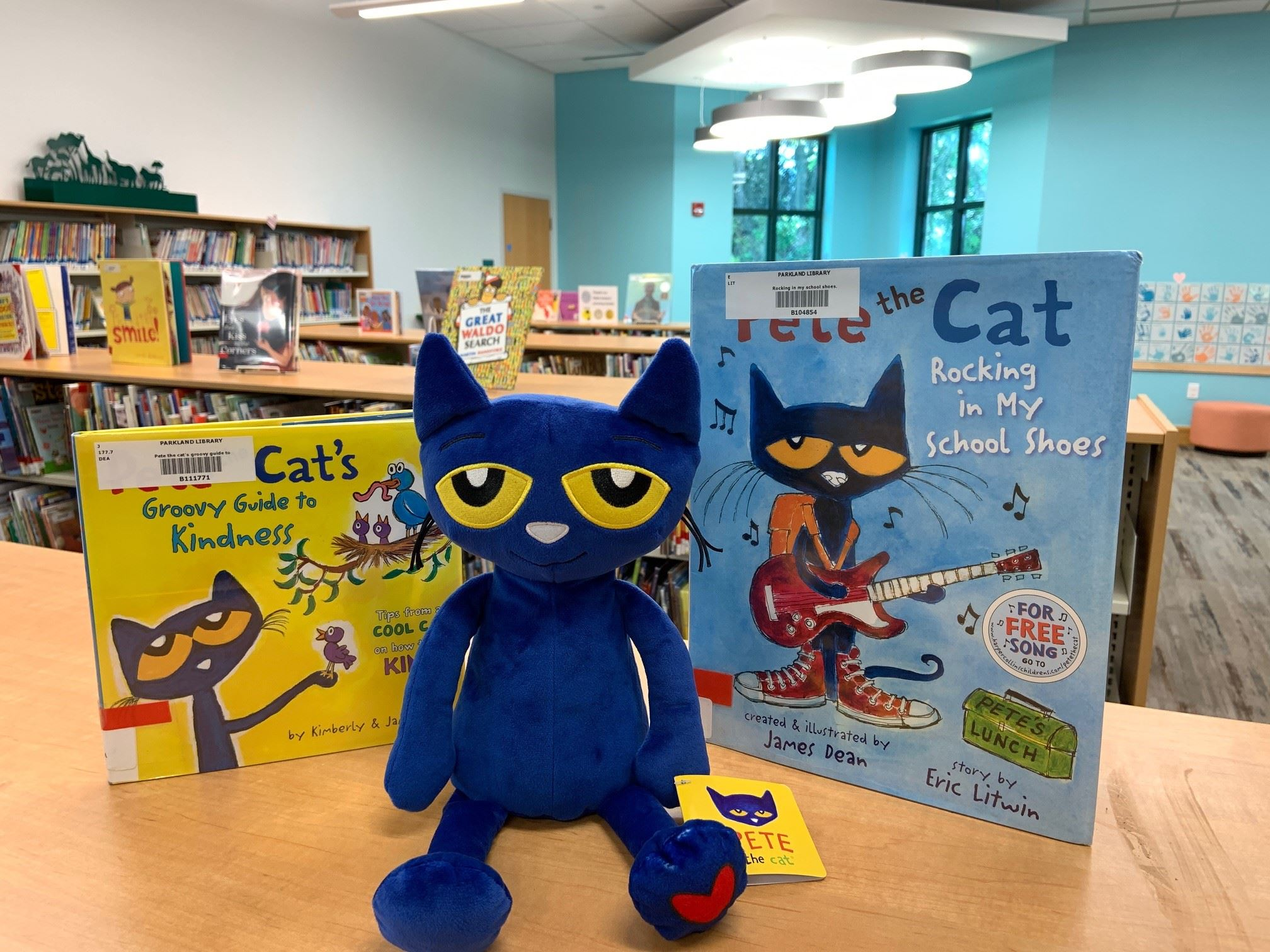 Pete the Cat with books